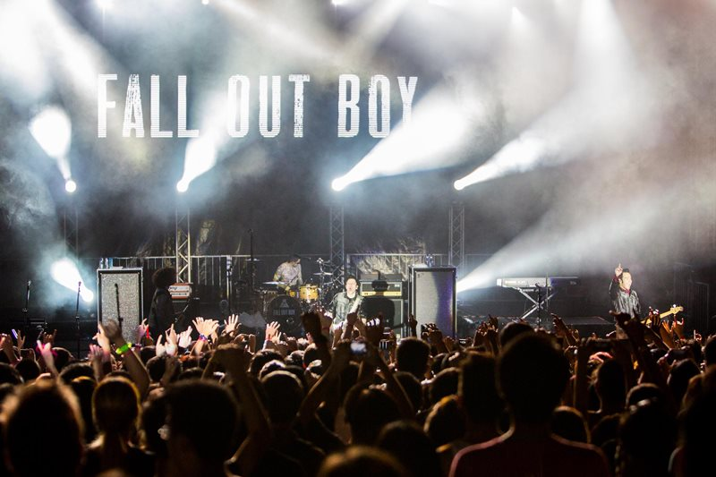 Fall out boy concert dates